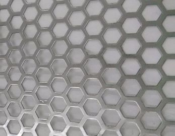 China Hexagonal Hole Perforated Metal Perforated Aluminum Sheet 2mm thick 3003 5005 5052 6061 3004 factory